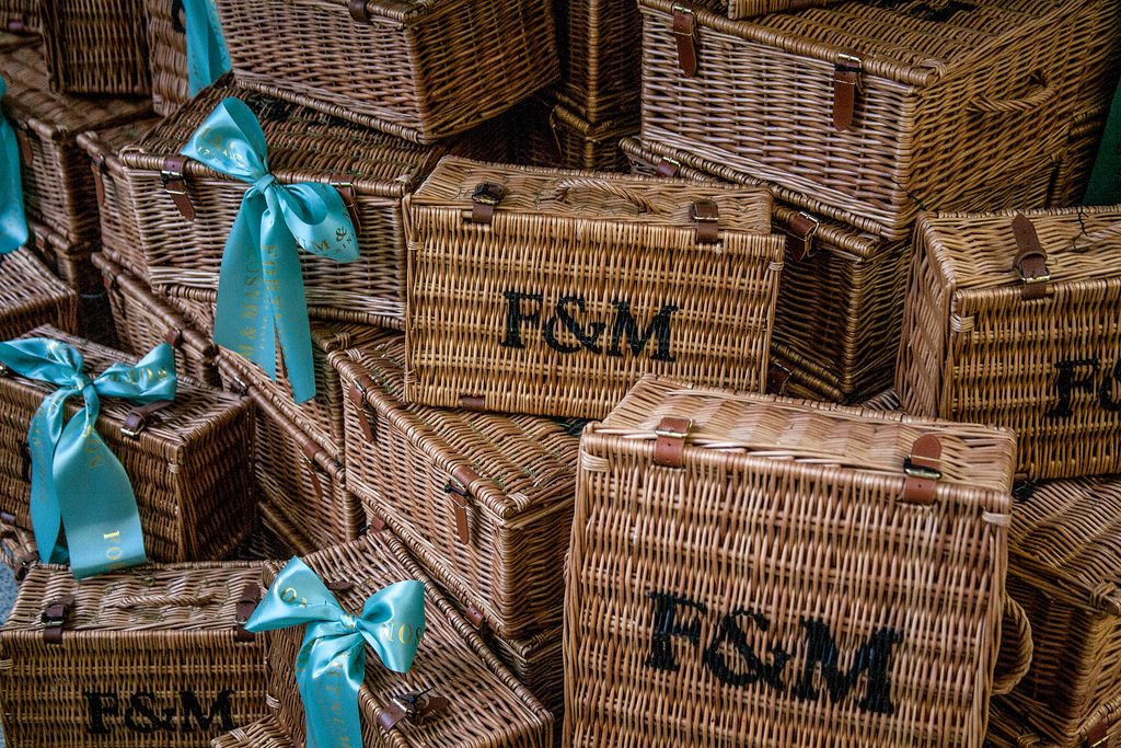 10 Great Places to Eat, Shop, and See in London!  Fortnum and Mason #London #FortnumandMason #LondonShopping #LondonTravel #LondonBiscuits