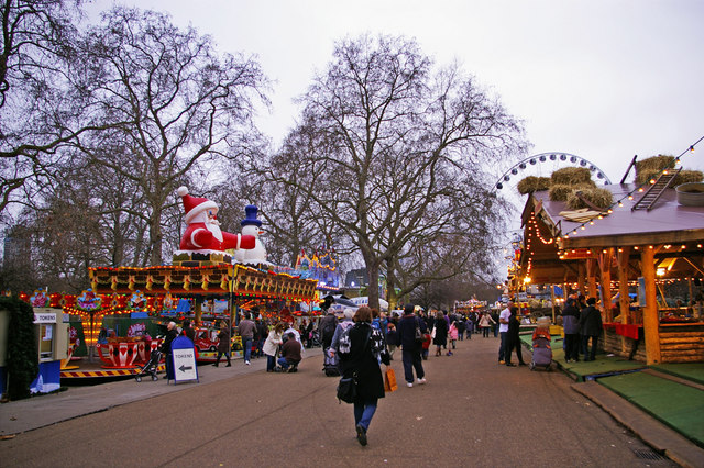 10 Great Places to Eat, Shop, and See in London! Hyde Park - Winter Wonderland #London #LondonHydePark #LondonTravel #LondonWinterWonderland #LondonFun