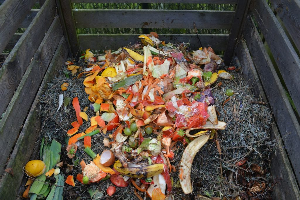 How to Save Money On Soil by Starting A Compost #Compost #GardenSoil #FreeSoil #GreenGardening #Gardening