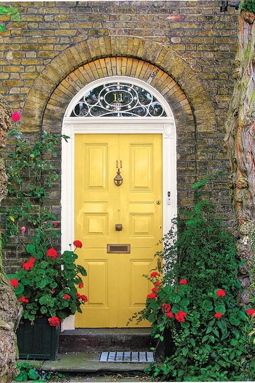 9 Stunningly Bold Coastal Front Doors - Forsythia Blossom PPG #BoldDoors #ColorfulDoors #BrightDoors #CoastalDoors #Doors