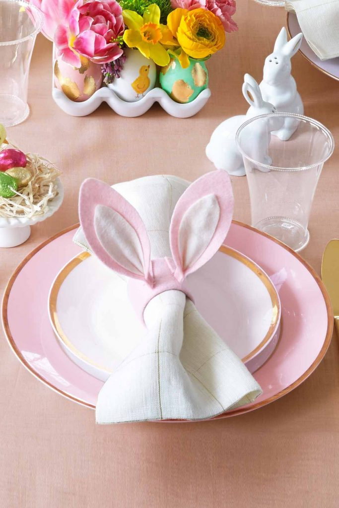 9 DIY Easter Decor Ideas for a Coastal Home - Bunny Ear Napkin Ring #EasterDIY #EasterDecor #DIY #EasterCoastalDecor #EasterCoastalHome