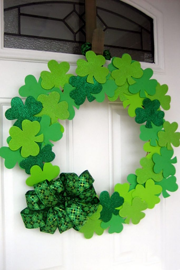 Coastal Decor DIY 8 St. Patrick's Day Decor Ideas - St. Patrick's Day Lucky Shamrock Wreath #DIY #DecorDIY #StPatsDay #StPatricksDecor #CoastalDecor