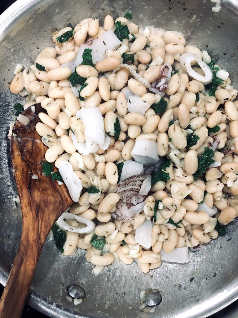 A Quick and Easy Spanish Seafood Dish Calamari and White Beans #spanishseafood #Spanishcalamari #calamariwhitebeans #Spanishquickeasy