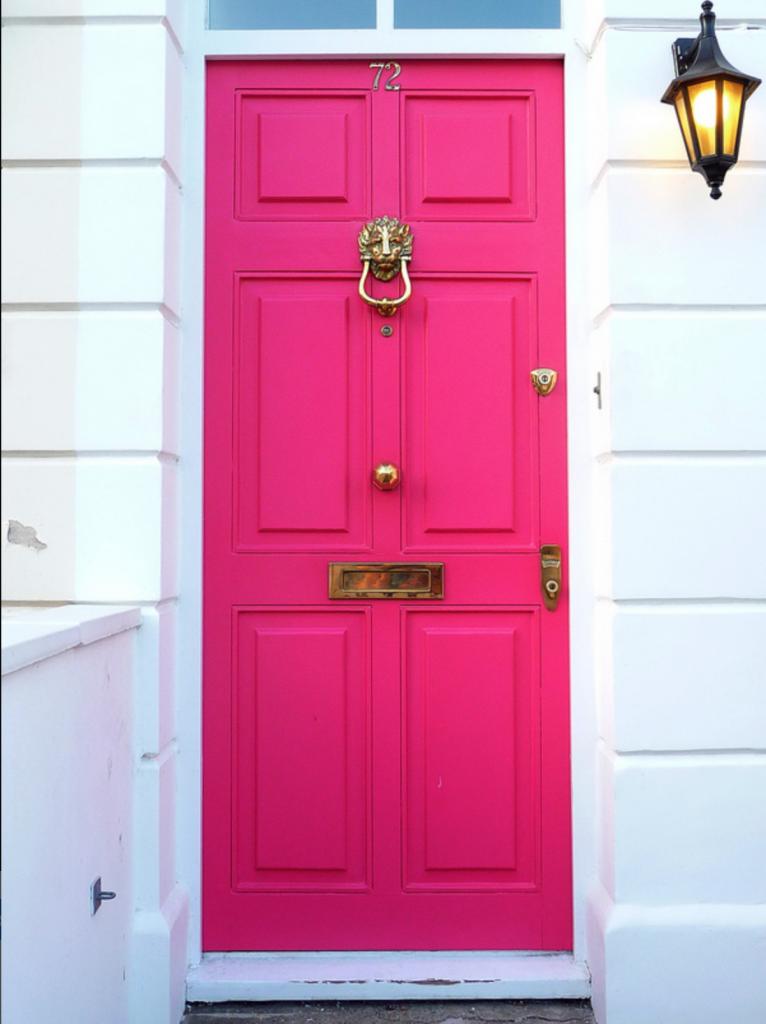 9 Stunningly Bold Coastal Front Doors - Gorgeoux Flickr #bolddoors #brightdoors #fuschiadoor #coastaldoors