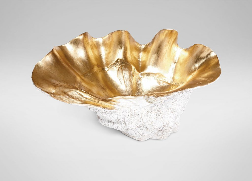 8 Glamorous Metallic Accents to Decorate Your Coastal Home Large Gold Plated Clam Shell #coastalAccents #Metallicaccents #GoldClamShell #coastaldecor #seasideDecor