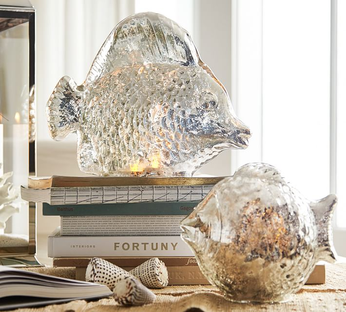 8 Glamorous Metallic Accents to Decorate Your Coastal Home Large Gold Plated Clam Shell #coastaldecor #coastalAccents #Coastaldesign #mercuryfishluminary