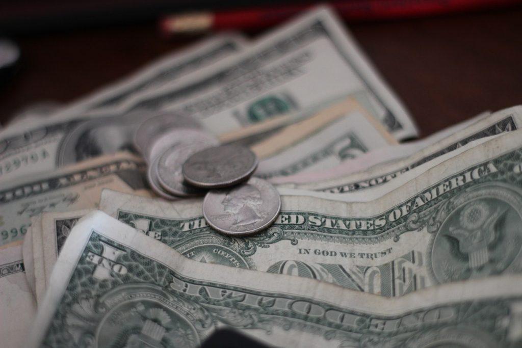 55 Ridiculously Smart Frugal Living Tips #Frugal #SaveMoney #FrugalLiving #Budget #MoneySaving #Saver #MoneySavingTips #Thrifty #FamilyBudget