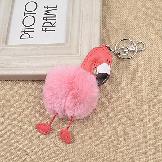25 Pretty in Pink Gifts for Mom Flamingo Keychain #MothersDay om #PinkGiftsForMom #MothersDayGifts #PrettyPinkGifts