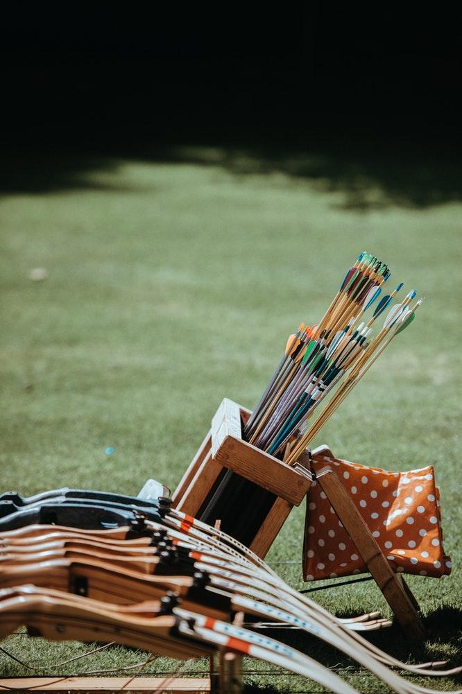 12 Budget Friendly Outdoor Summer Activities Archery (photo Annie Spratt) #LLBean #ArcheryClasses #BudgetFriendly #OutdoorSummerFun #SummerFun #SummerActivities