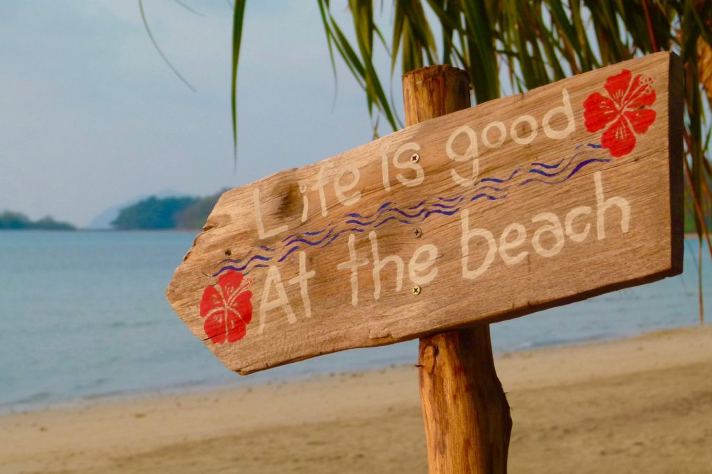Summer Fun DIY Beach Directional Sign Ko Mak, Thailand photo By Katja Grasinger #DIY #SummerFun #SummerActivities #DIYBeach #DirectionalSigns #BeachSigns #Beaches #AttheBeach #Frugal #FrugalLiving #FrugalLife #BeachLiving #BeachLife