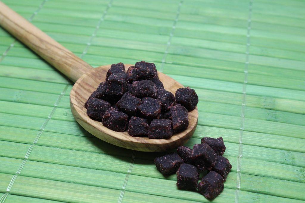 Easy Acai Bowl Recipe With Bananas and Blueberries Acai Beere or Acai Berry #AcaiBowl #DIY #AcaiBowlRecipe #QuickAndEasy #HealthyEating #EasyRecipe