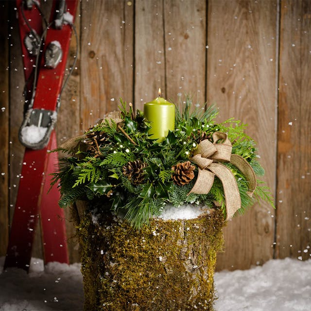 28 Christmas Centerpieces to Welcome House Guests