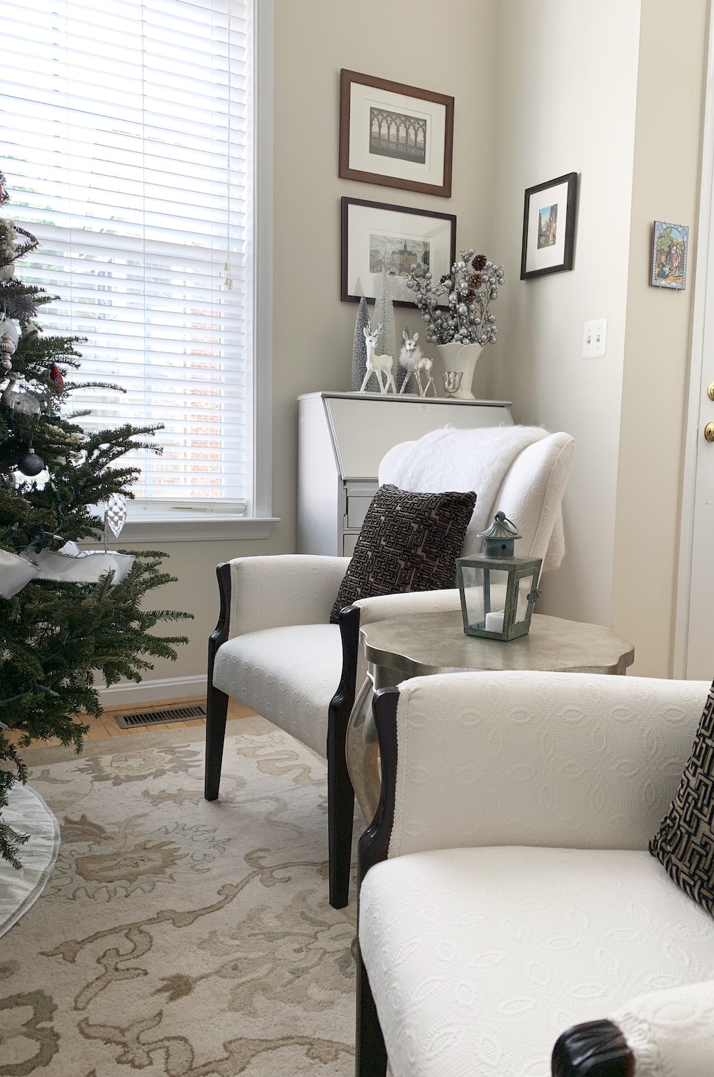 Christmas Home For Holidays #Winter #Affordable #BudgetFriendly #Christmas #DIY #ChristmasDecor #Decor
