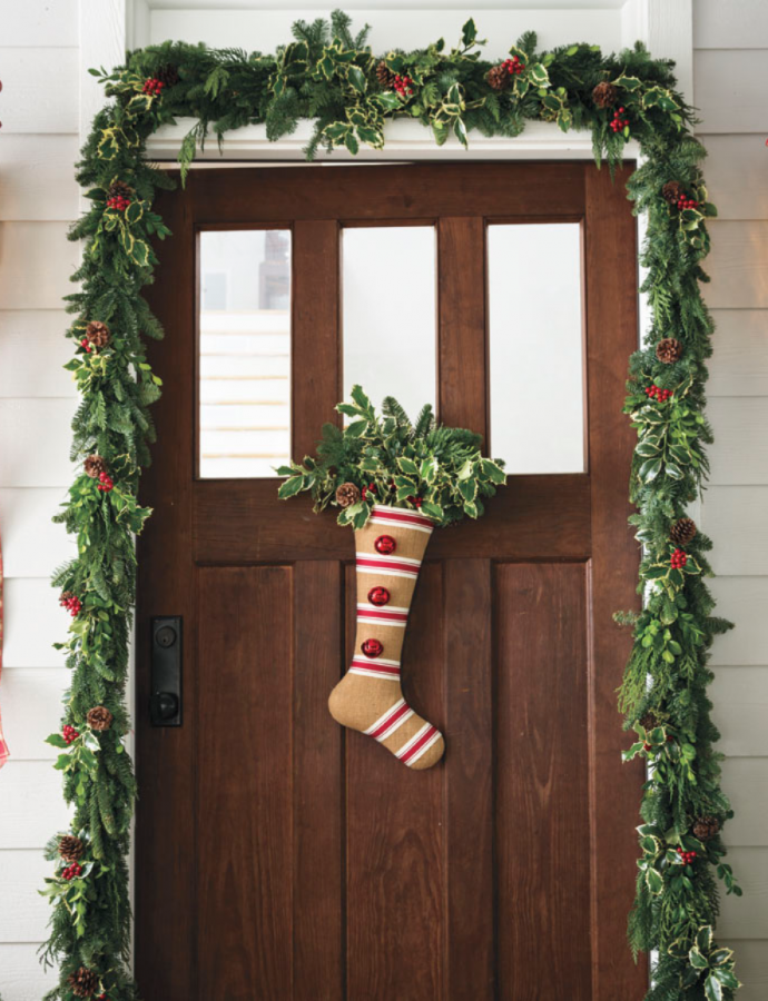 9 Christmas Front Door Decorations to Greet Your Holiday Guests