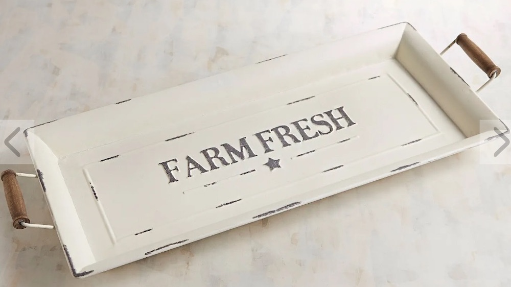 15 Farmhouse Trays for Every Budget Farm Fresh Tray #Farmhouse #FarmhouseDecor #FarmhouseTrays #RusticDecor #Patio #OutdoorSpaces #OutdoorLiving #IndoorLiving #Entertaining