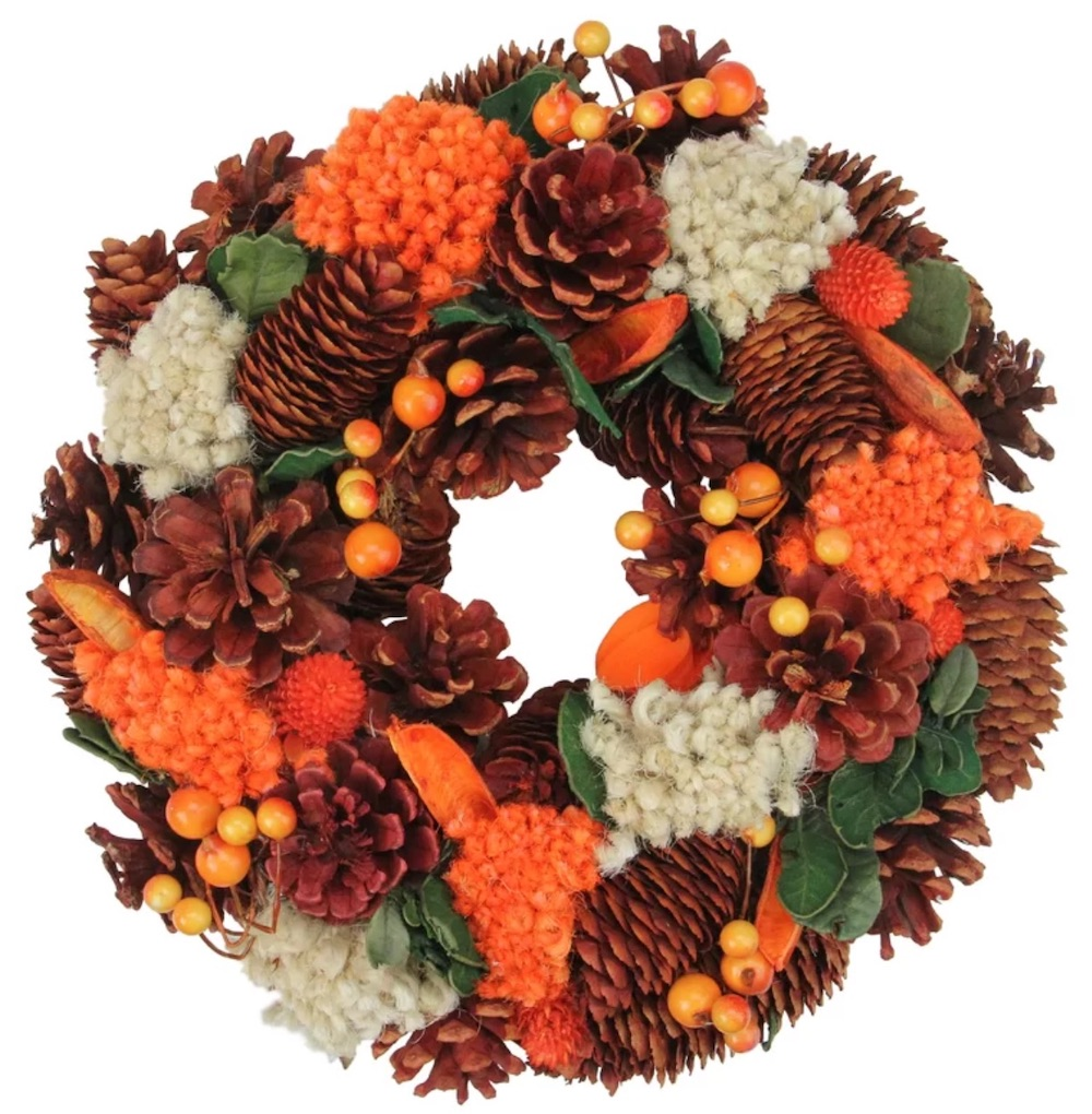 Farmhouse Fall Wreaths to Welcome Guests Hydrangea And Berry Harvest Wreath #Farmhouse #FarmhouseDecor #FarmhouseWreaths #RusticWreaths #CountryLiving #FallWreaths #AutumnWreaths