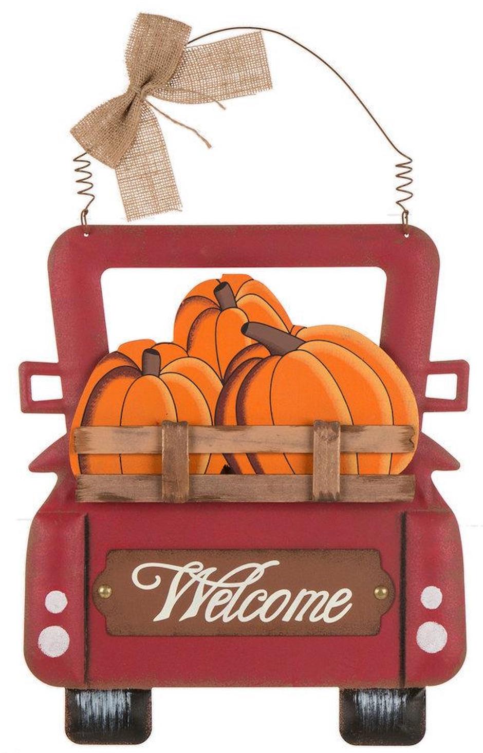 Farmhouse Fall Wall Decor to Welcome Autumn Truck Full Of Pumpkins Wall Decor #Farmhouse #FallWallDecor #FarmhouseWallDecor #RusticDecor #CountryDecor #FallDecor #AutumnDecor #FallWallArt