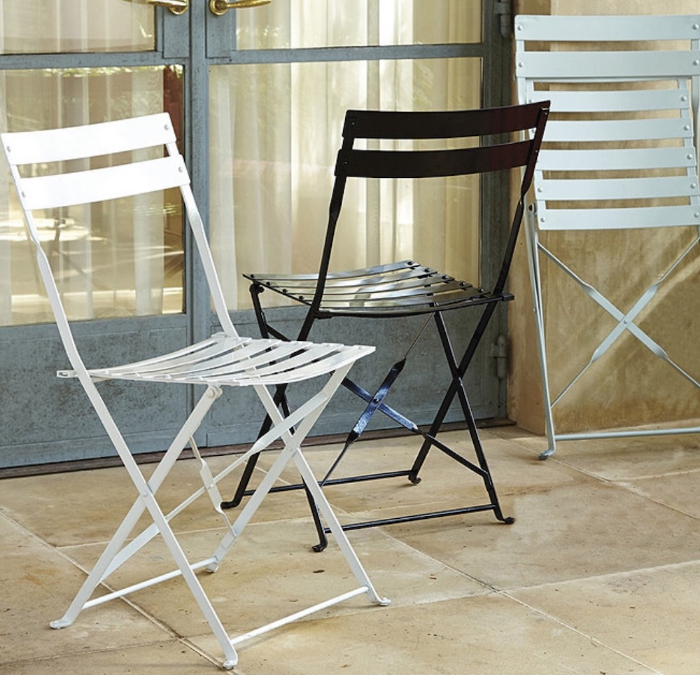 8 Folding Chairs for Holiday Dinners Café Folding Chairs #FoldingChairs #DinnerTime #FamilyDinners #HolidayMeals #Entertaining #Celebrations