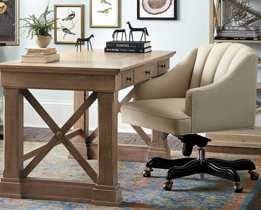 Office Chairs for Your W0orkspace Holly Desk Chair #DeskChairs #HomeOffice #HomeOfficeDeskChairs #OfficeChairs #Decor #FarmhouseDecor #WorkingMoms #WorkFromHome