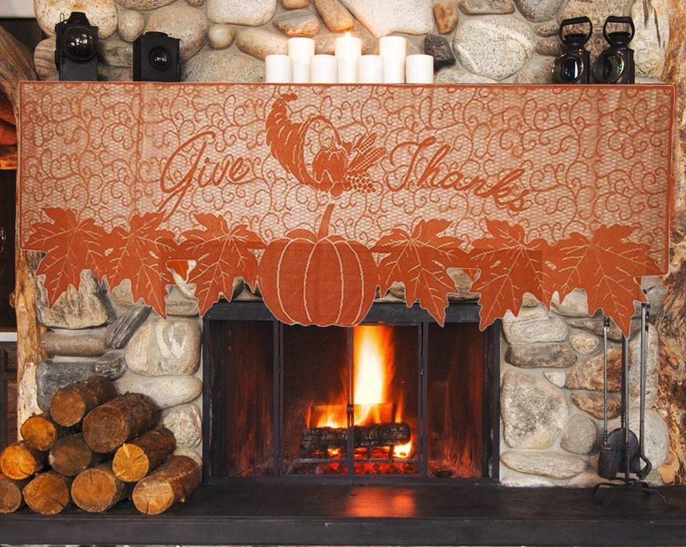 Thanksgiving Decorations for a Festive Home Thanksgiving Fireplace Scarf #Decor #ThanksgivingDecor #AffordableDecor #AffordableFallDecor #CheapThanksgivingDecor #QuickAndEasyDecor #BudgetFriendlyDecor