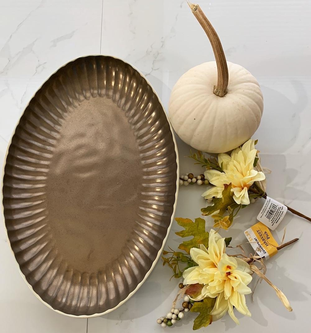 Thanksgiving Centerpiece Ideas Supplies for the Bronze Oval Platter #DIY #DIYDecor #ThanksgivingCenterpiece #FallCenterpiece #FallDecor #Thanksgiving #ThanksgivingTable #Centerpiece #AutumnCenterpiece