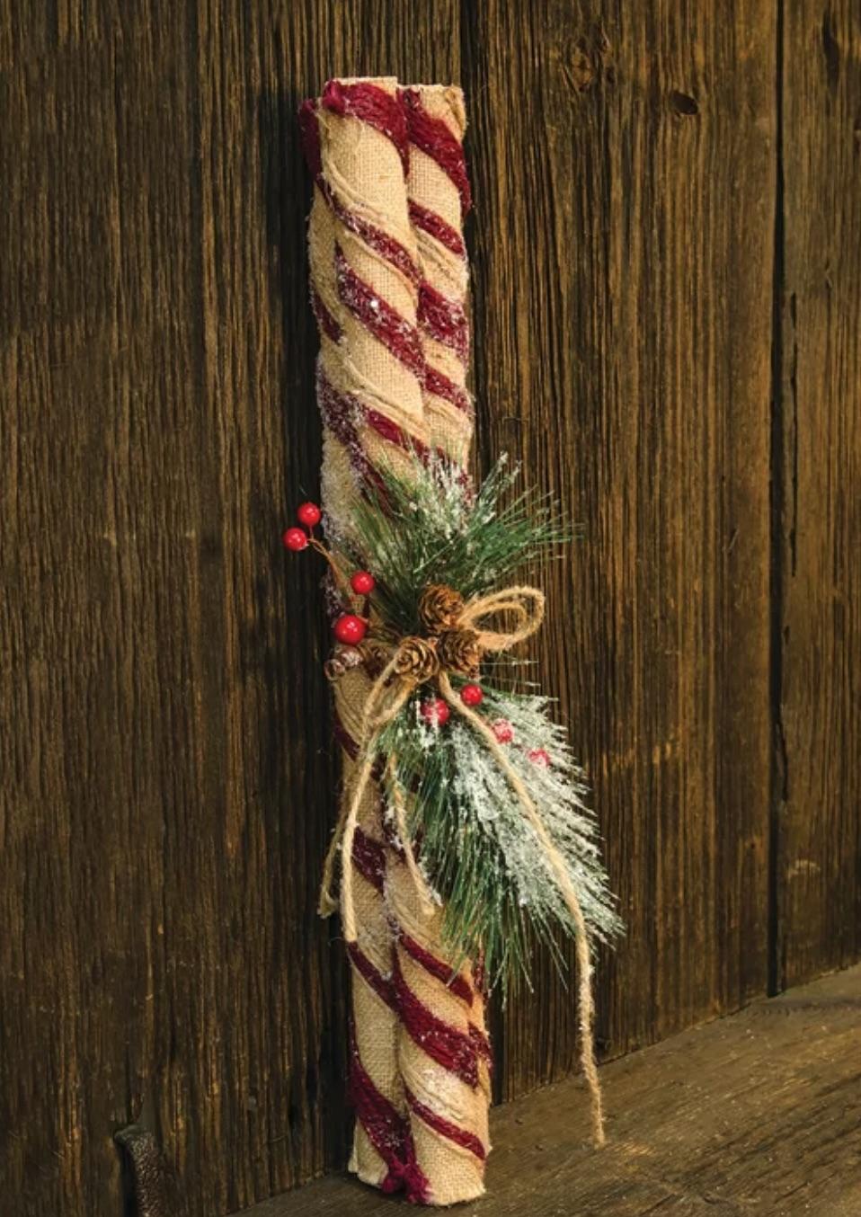 Farmhouse Christmas Decorations to Celebrate the Season Burlap Peppermint Sticks #Decor #Christmas #Farmhouse #ChristmasDecor #FarmhouseDecor #FarmhouseChristmasDecor #HolidayDecor