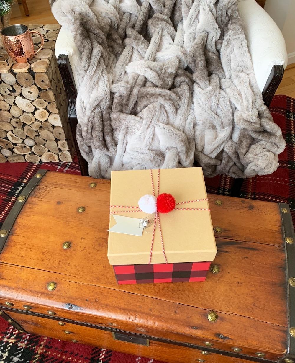Cozy Home for the Holidays #Decor #ChristmasDecor #RusticChristmas #RusticChristmasDecor #Christmas ChristmasCabin #ChristmasLodge #ChristmasAccents #HolidayDecor