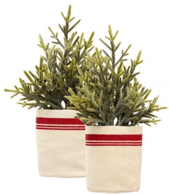 Rustic Christmas Lodge Accessories Potted Pine #Decor #ChristmasDecor #RusticChristmas #RusticChristmasDecor #Christmas ChristmasCabin #ChristmasLodge #ChristmasAccents #HolidayDecor
