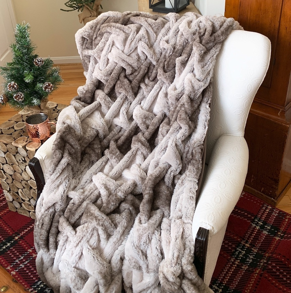 Relax and Cuddle up with this Faux Fur Throw #Decor #ChristmasDecor #RusticChristmas #RusticChristmasDecor #Christmas ChristmasCabin #ChristmasLodge #ChristmasAccents #HolidayDecor