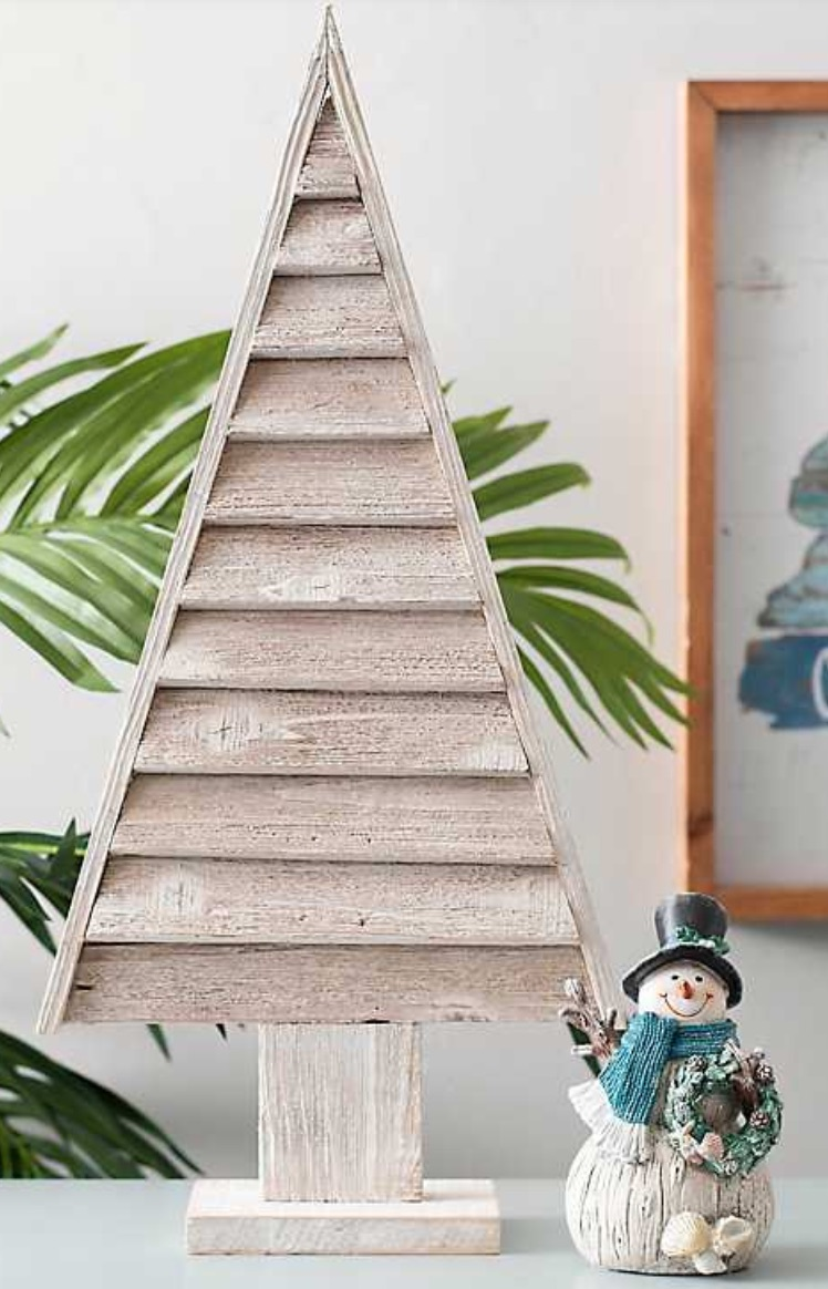Celebrate the Season Slatted Wooden Tree #Decor #Christmas #Farmhouse #ChristmasDecor #FarmhouseDecor #FarmhouseChristmasDecor #HolidayDecor