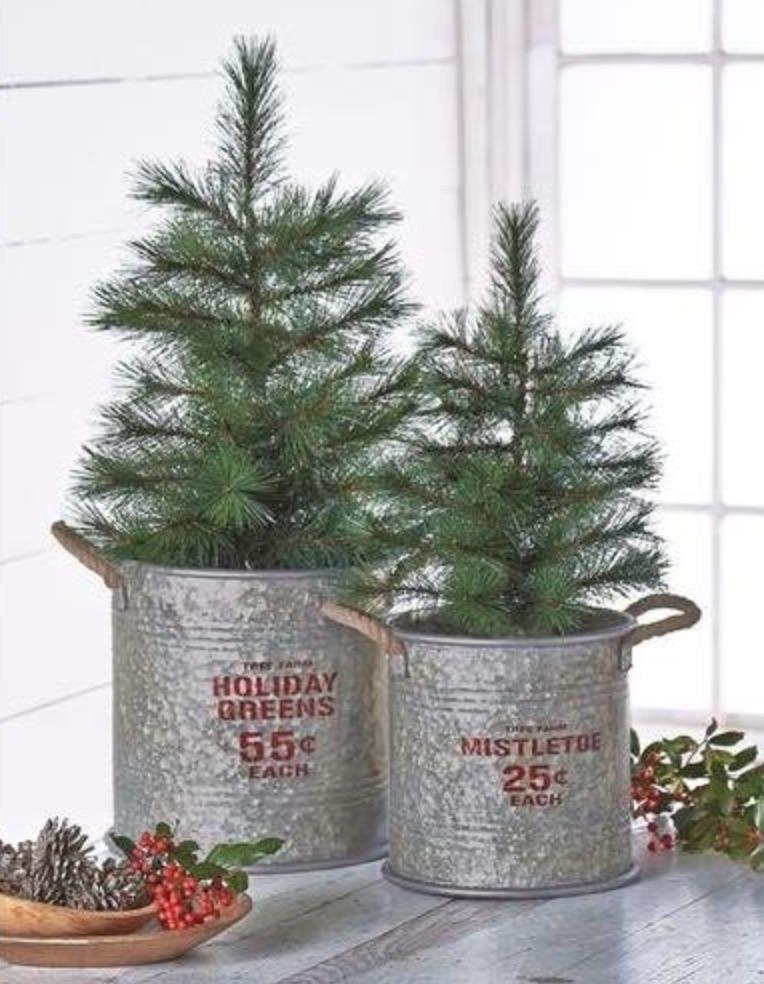 14 Festive Farmhouse Christmas Containers Tin Holiday Buckets #Decor #Organization #ChristmasDecor #FarmhouseDecor #FarmhouseBuckets #FarmhouseChristmas #Containers #ChristmasBuckets #ChristmasBins