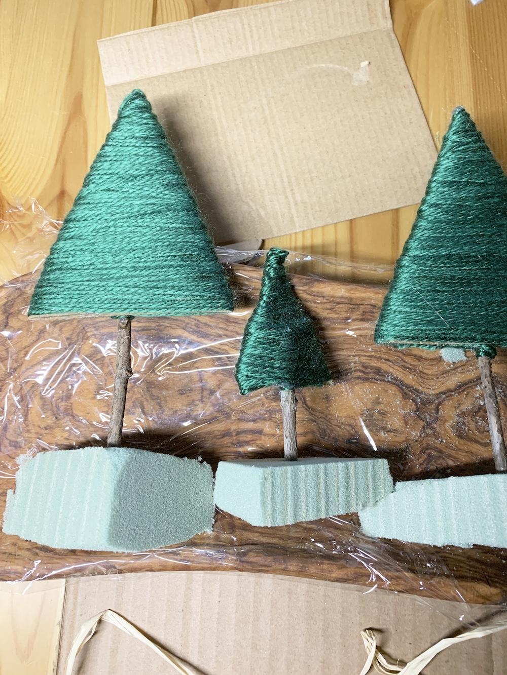 DIY Decor Trees on Florist Dry Foam #DIY #DIYChristmasCenterpiece #ChristmasDecor #ChristmasTableTop #DIYChristmasProject #RusticDecor #ChristmasCenterpiece