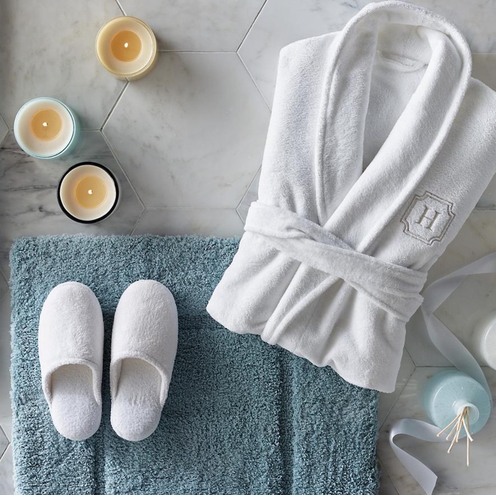 Resort Plush Robe and Slipper Set #Spa #bathroom #HomeSpa #PamperYourself #SpaAccessories #MeTime #BathSpa #DIYHomeSpa #Relax #Soothing