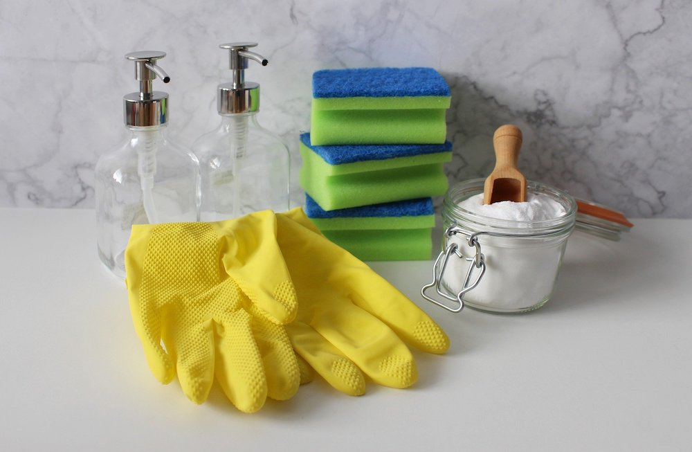 Homemade Cleaners for the Frugal Home Cleaning Supplies #CleanHome #HomemadeCleaners #HouseCleaning #HouseKeeping #DIYCleaning #CleanwithVinegar #SaveMoney #SaveTime #BudgetFriendly #NonToxic