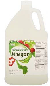 Distilled White Vinegar #CleanHome #HomemadeCleaners #HouseCleaning #HouseKeeping #DIYCleaning #CleanwithVinegar #SaveMoney #SaveTime #BudgetFriendly #NonToxic