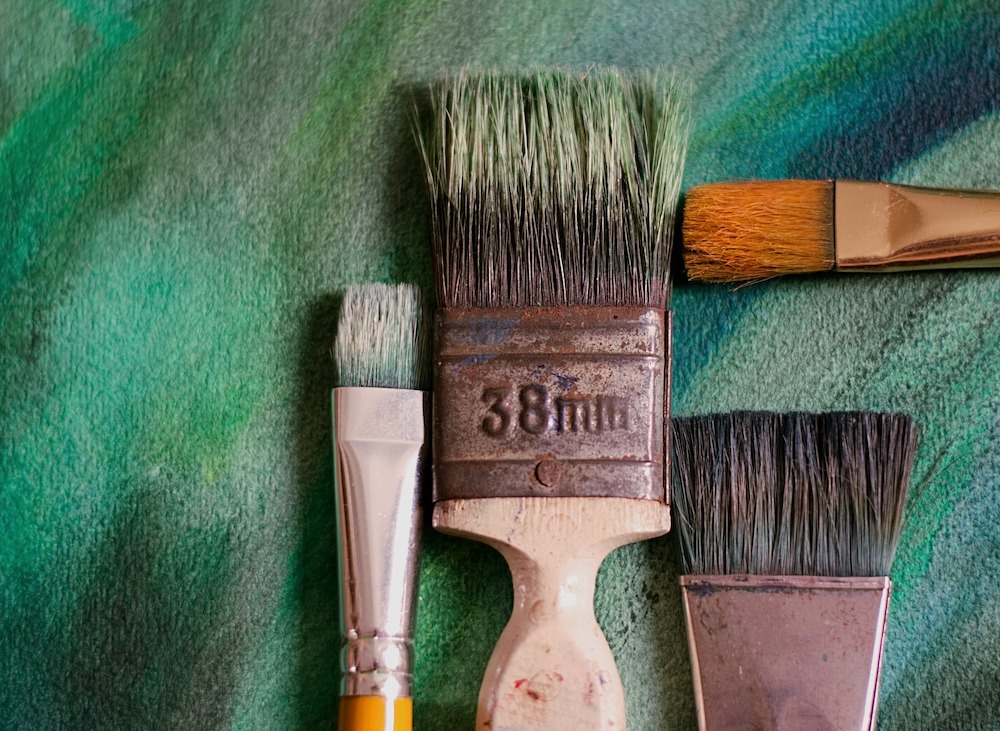 Cleaning Uses for Vinegar Paint Brushes #CleanHome #Cleaning #HouseCleaning #HouseKeeping #Vinegar #CleaningwithVinegar #SaveMoney #SaveTime #BudgetFriendly #NonToxic