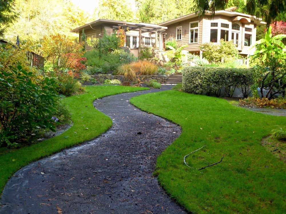 Tidy Front Yard #SpringGarden #Gardening #SpringCleaning #SprngGardenCleaning #SpringChores #BenefitsofGardening #GardenWorkOut