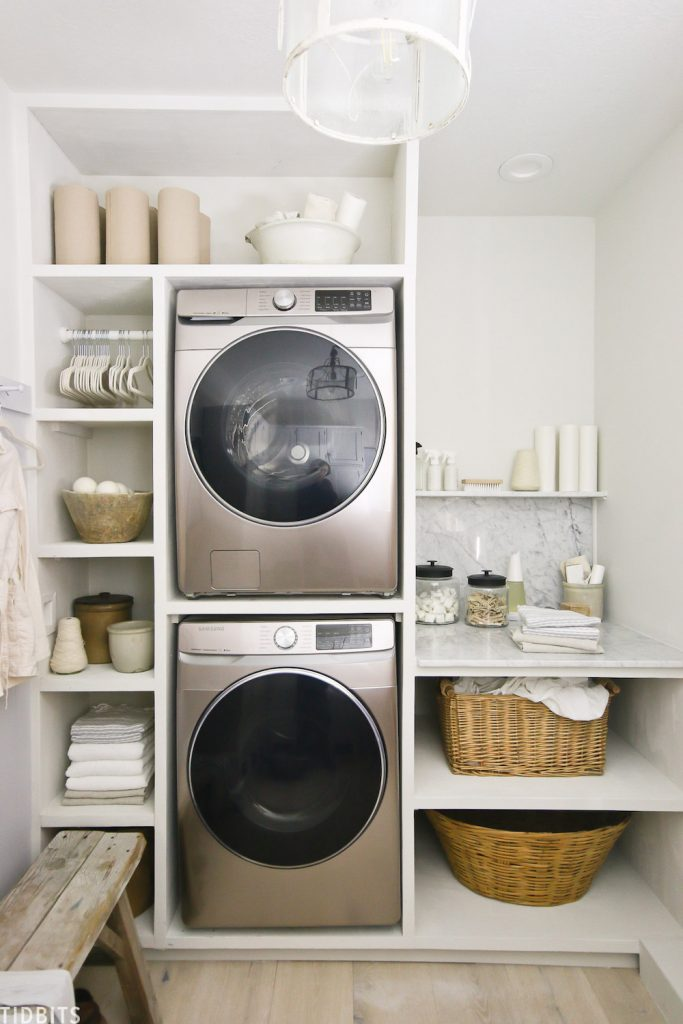 European Organic Laundry Room at TIDBITS #Laundry #WashingClothes #CleanClothes #Vinegar #CleaningwithVinegar #SaveMoney #SaveTime #FrugalLiving #FrugalHome