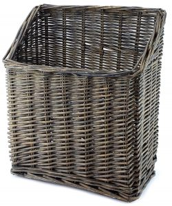 Gray Washed Magazine Basket #Farmhouse #Storage #Organization #FarmhouseStorage #CountryStyleStorage #CountryDecor #FarmhouseOrganization #CountryStyle #VintageStyle