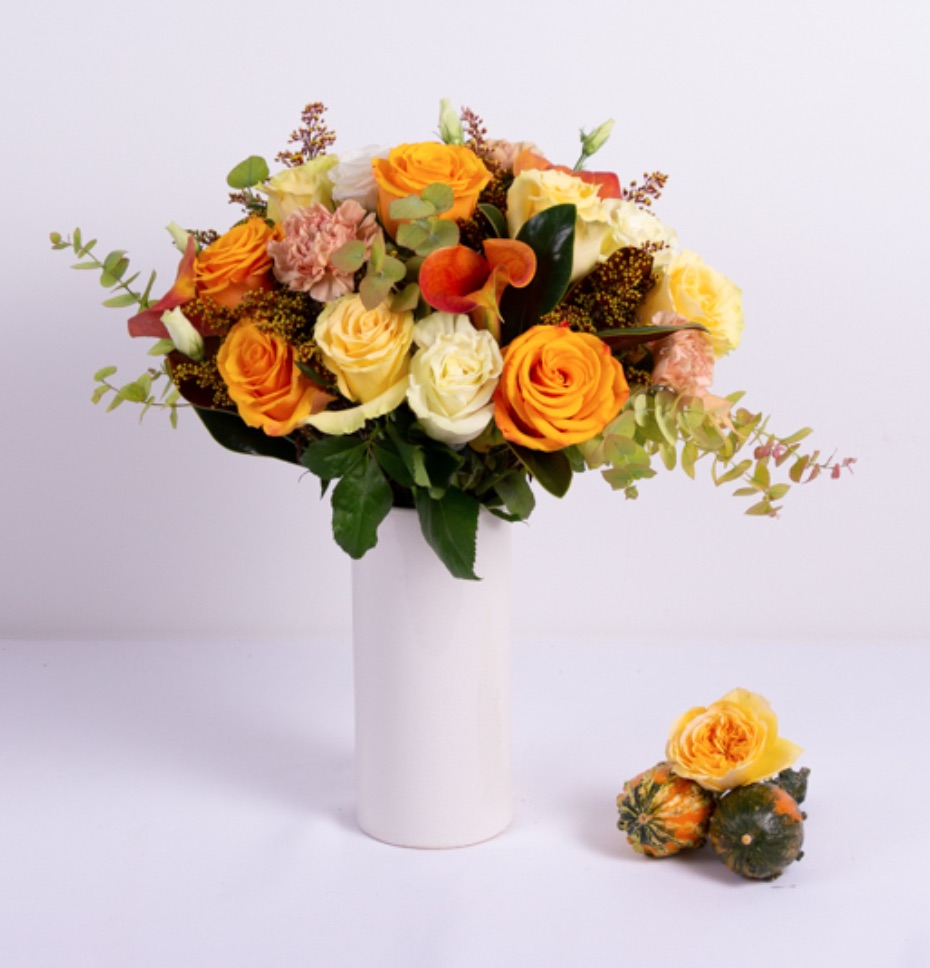 Best Online Thanksgiving Flowers Aurora by Ode a la Rose #FreshFlowers #flowerdelivery #bouquets #OnlineFlowers #FlowersOnline #AutumnFlowers #FallFlowers #ThanksgivingFlowers