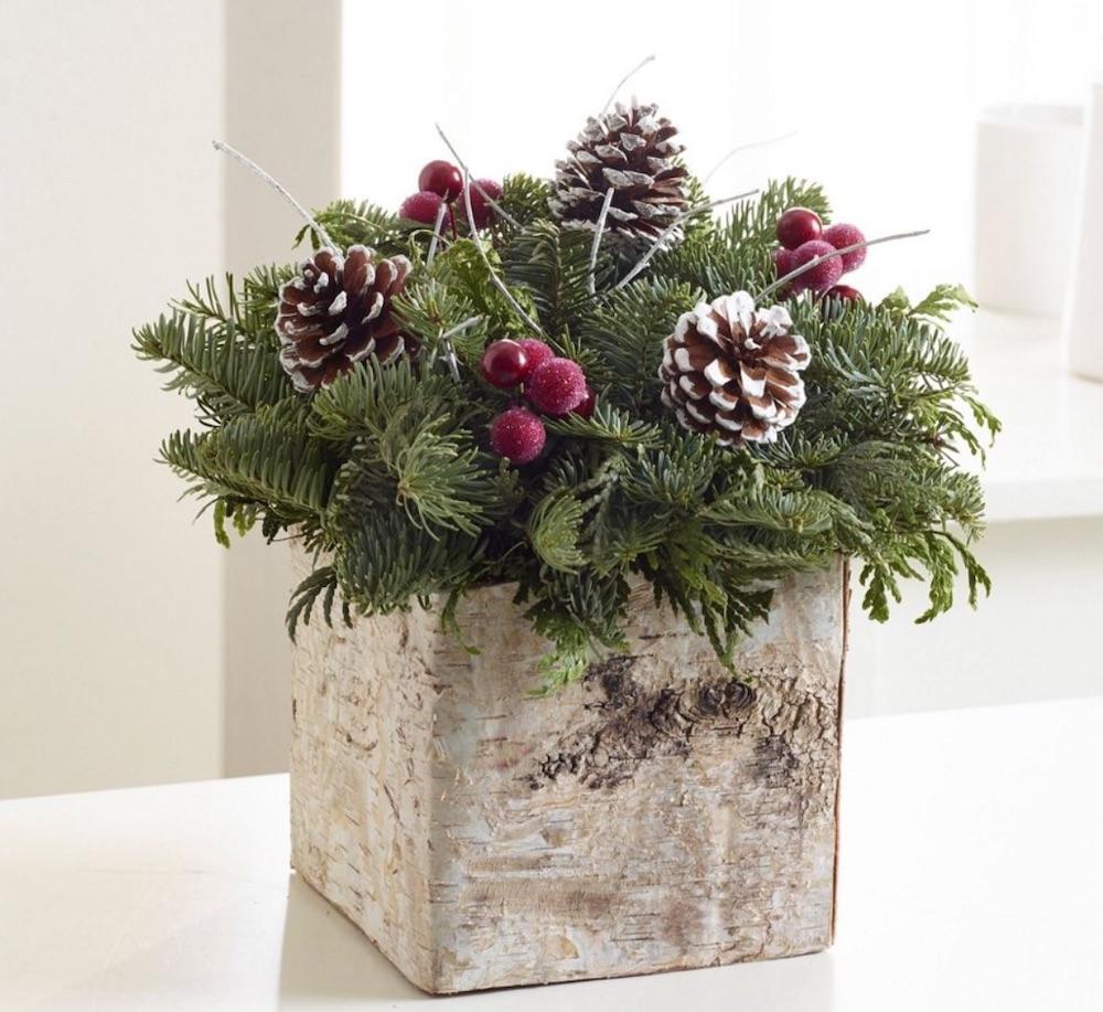 Best Fresh Christmas Centerpieces Birch Box Centerpiece by LLBean #FreshFlowers #flowerdelivery #Centerpiece #OnlineFlowers #FlowersOnline #ChristmasCenterpieces #ChristmasTableCenterpiece #ChristmasFlowers