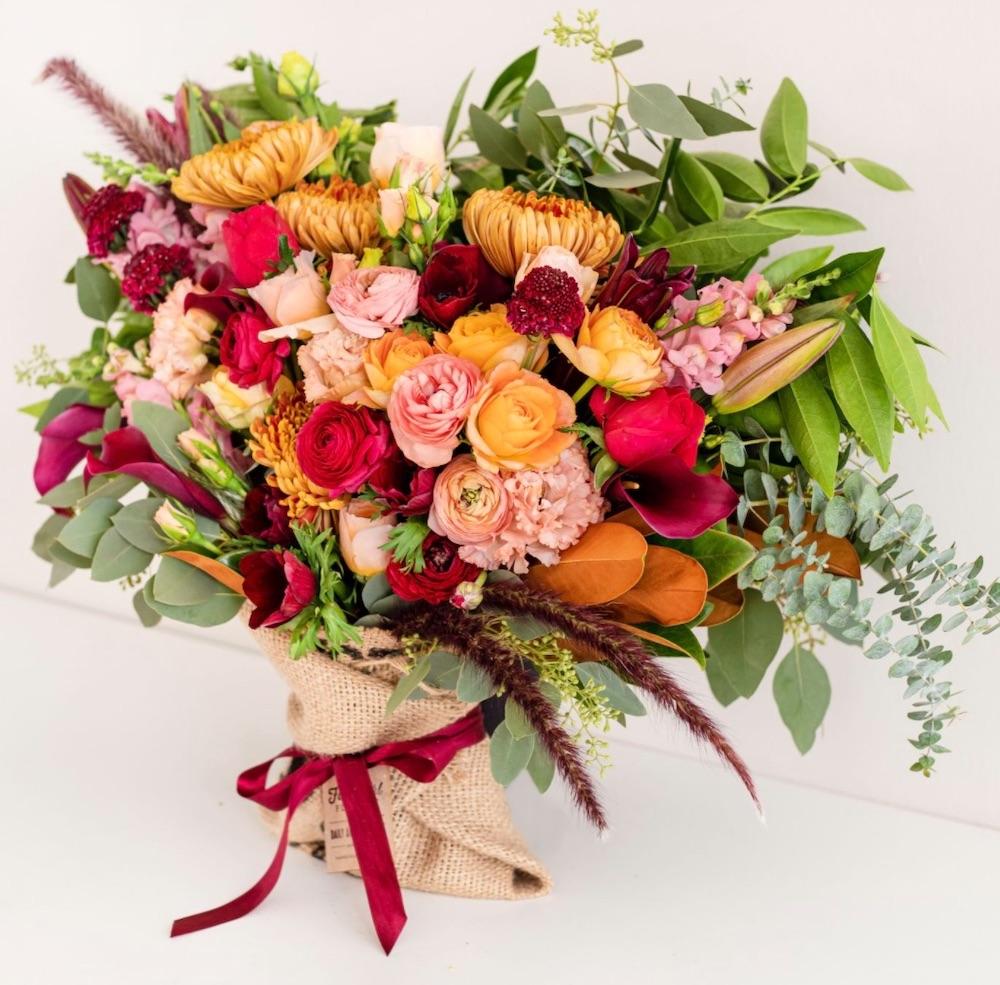 Gift Giving for the Fall Season Fancy Pants XL FarmGirl Flowers #FreshFlowers #flowerdelivery #bouquets #OnlineFlowers #FlowersOnline #AutumnFlowers #FallFlowers #ThanksgivingFlowers