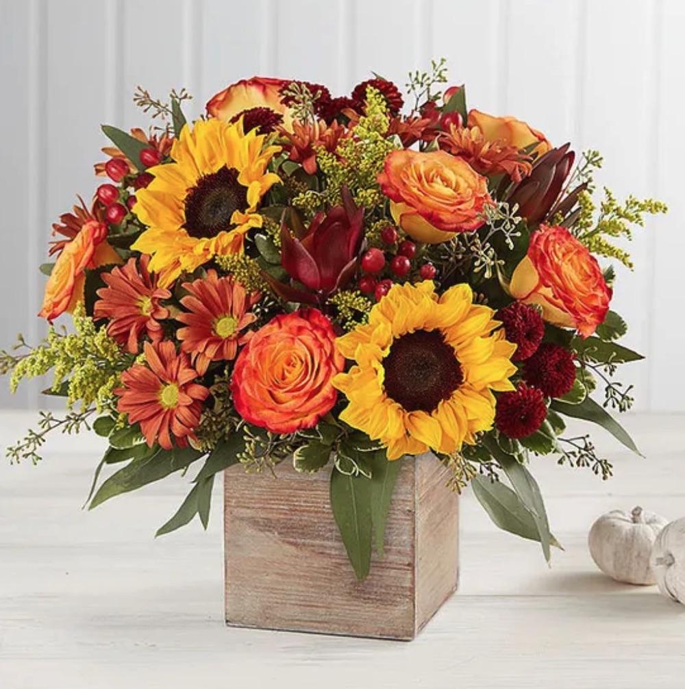 Autumn Decor Harvest Glow Bouquet by 1 800 Flowers #flowers #flowerdelivery #bouquets #OnlineFlowers #FlowersOnline #AutumnFlowers #FallFlowers #ThanksgivingFlowers