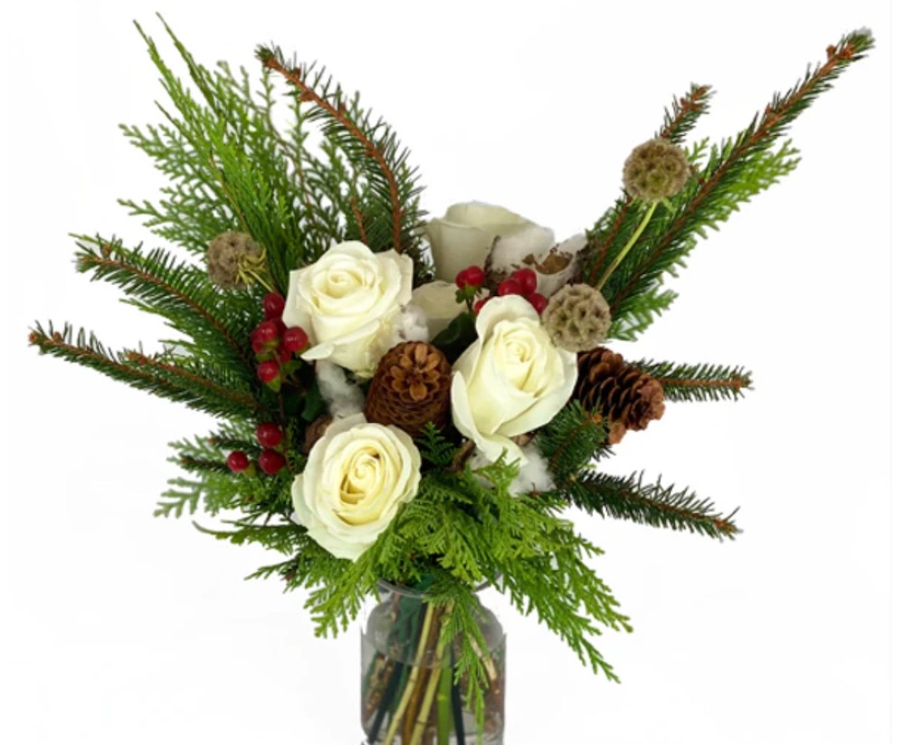 Best Online Christmas Flowers Holiday Cheer by Rachel Cho Floral Design for Floom #FreshFlowers #FlowerDelivery #bouquets #OnlineFlowers #FlowersOnline #Christmas #ChristmasFlowers #FestiveFlowers