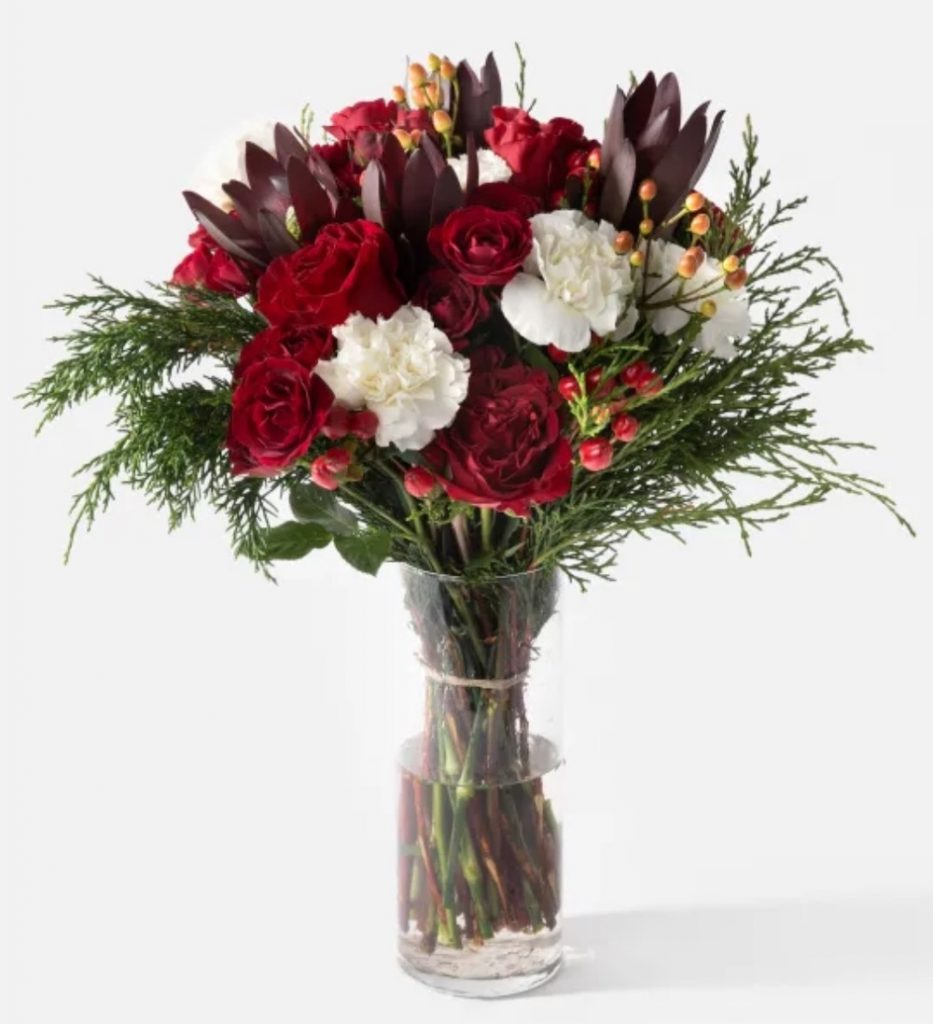 Best Online Christmas Flowers The Nutcracker by Urban Stems #FreshFlowers #FlowerDelivery #bouquets #OnlineFlowers #FlowersOnline #Christmas #ChristmasFlowers #FestiveFlowers