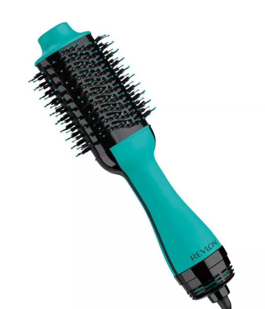 Christmas Gift Ideas Revlon Salon One-Step Hair Dryer and Volumizer #Christmas #ChristmasGifts #GiftIdeas #ChristmasPresents #ChristmasGiftGiving