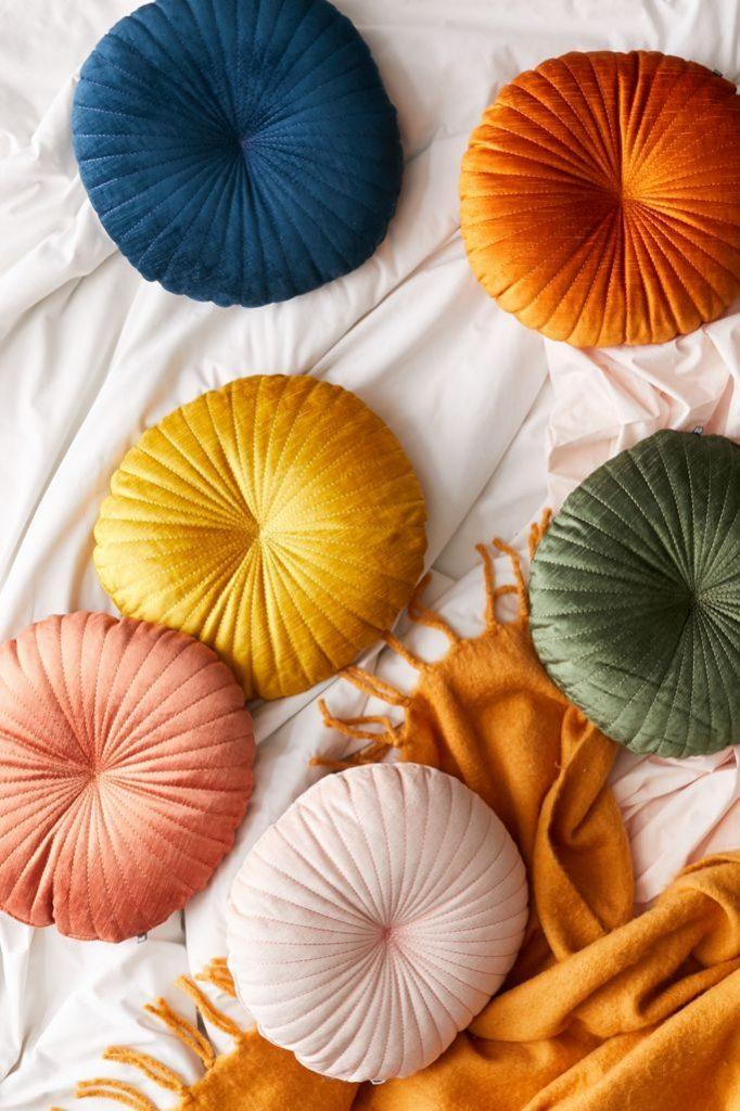 Christmas Gift Ideas Shelly Round Velvet Pillow #Christmas #ChristmasGifts #GiftIdeas #ChristmasPresents #ChristmasGiftGiving
