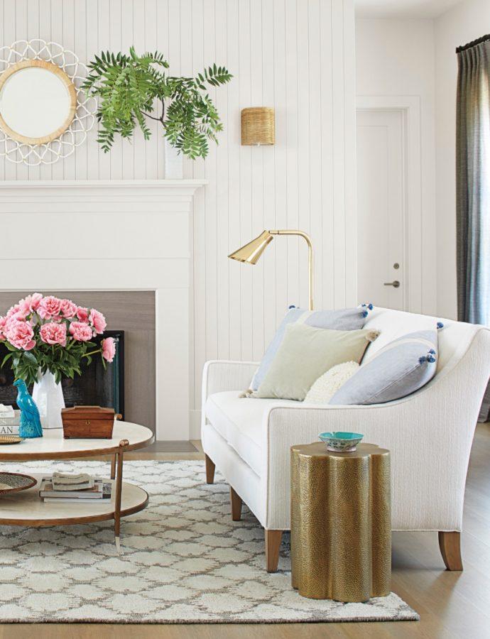 25 Coastal White Sofas for Beach Homes