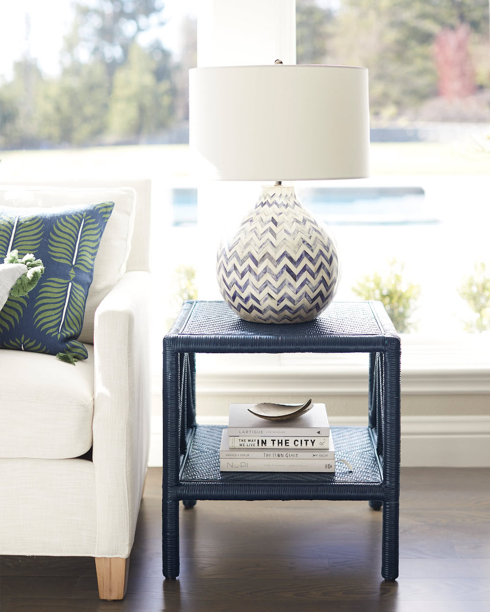 18 End Tables With Coastal Style Finding Sea Turtles