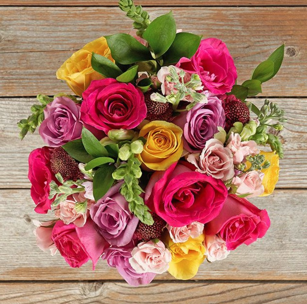 Celebrate the Season of Love Happy Heart by The Bouqs Company #flowers #FlowerDelivery #bouquets #OnlineFlowers #FlowersOnline #ValentinesDay #ValentinesFlowers #SendFlowers